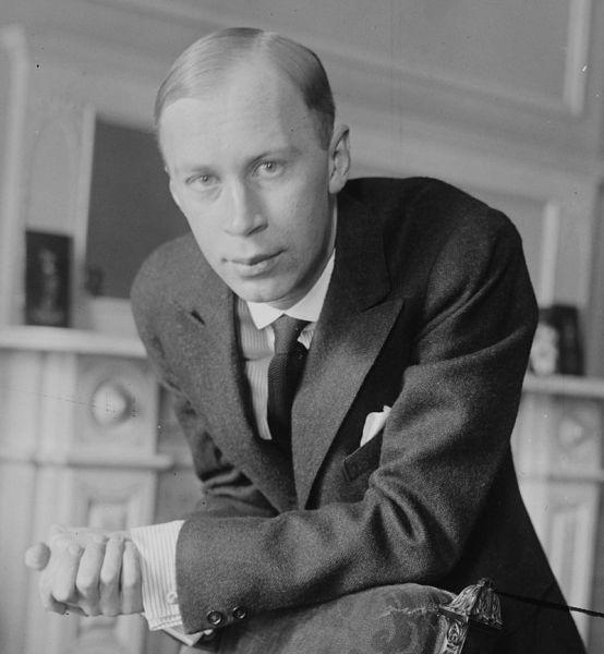 Serghei Serghievici Prokofiev  (n. 23 aprilie 1891/s.v. 11 aprilie – d. 5 martie 1953) a fost un compozitor, pianist și dirijor rus care a stăpânit numeroase genuri muzicale și este adesea considerat unul dintre cei mai importanți compozitori ai secolului XX - Serghei Prokofiev la New York (1918) - foto preluat de pe ro.wikipedia.org