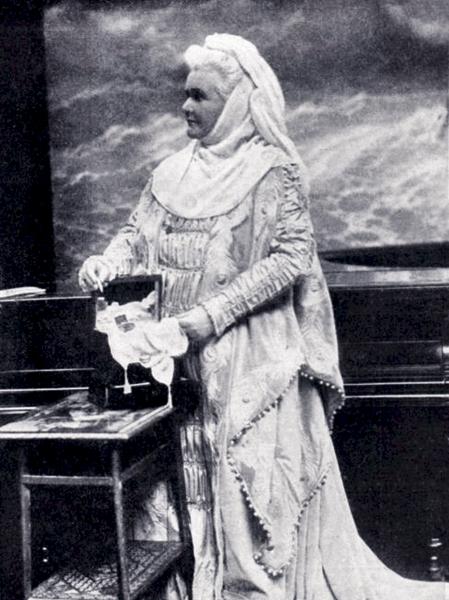 Regina Elisabeta a României, înainte de 1914 - foto preluat de pe ro.wikipedia.org
