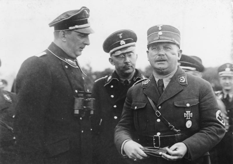 Kurt Daluege, chief of the Ordnungspolizei; Heinrich Himmler, head of the SS; and Ernst Röhm, head of the SA - foto preluat de pe en.wikipedia.org