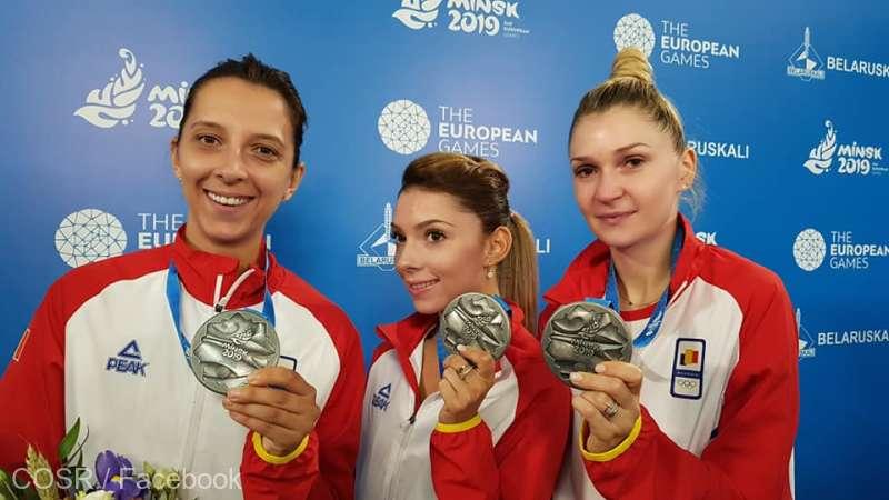 Jocurile Europene 2019 - Echipa feminină de tenis de masă a României (Bernadette Szocs, Elizabeta Samara şi Daniela Dodean), învinsă în finală de Germania - foto preluat de pe www.agerpres.ro