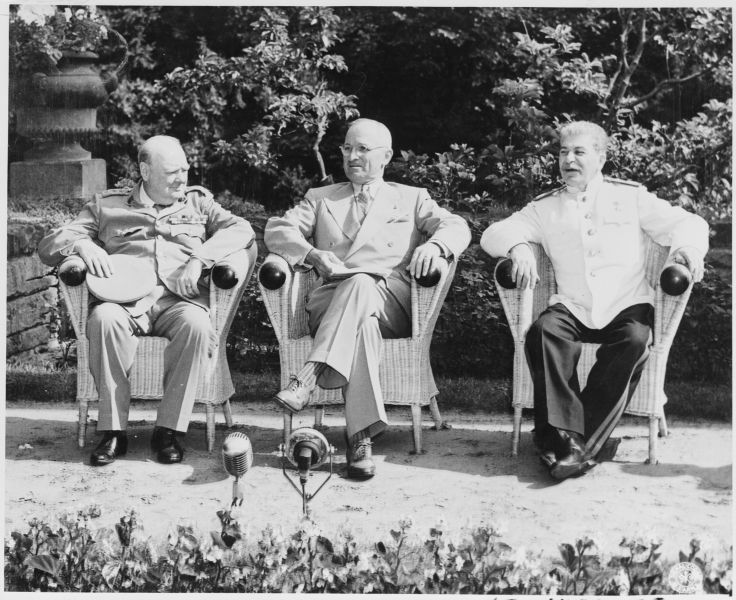 "The ""Big Three"" at the Potsdam Conference (17 July – 2 August 1945), Winston Churchill, Harry S. Truman and Joseph Stalin - foto preluat de pe en.wikipedia.org"