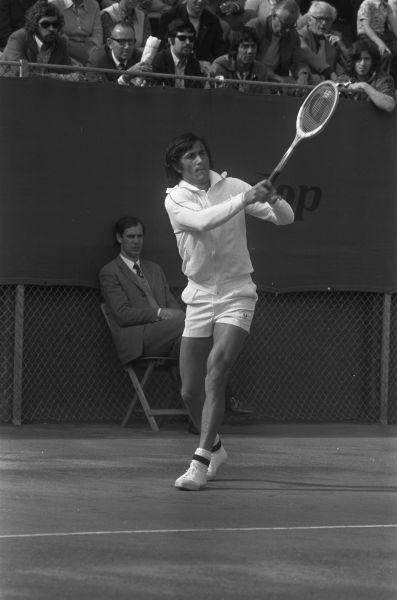 Ilie Năstase la Cupa Davis 1973 - foto preluat de pe ro.wikipedia.org