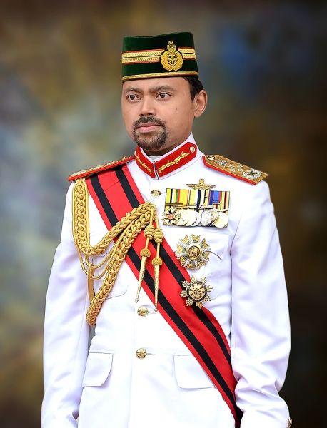 Prințul Moștenitor Al Haji-Muhtadee BillahBolkiah (n. 17 februarie 1974) este primul fiu născut și moștenitorul sultanului din Brunei - foto preluat de pe en.wikipedia.org