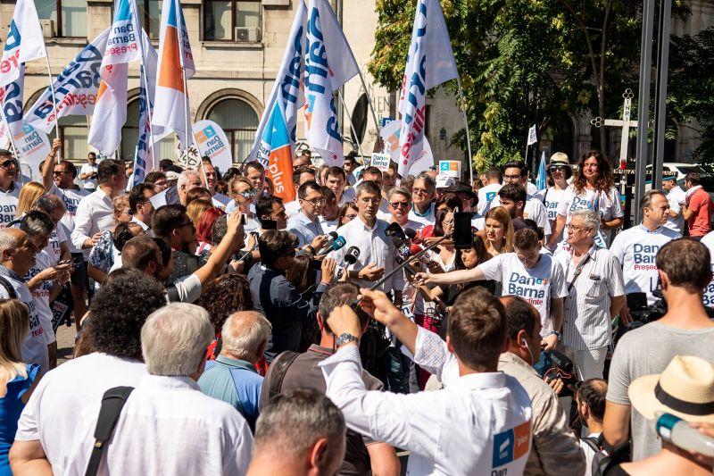 Start campaniei de semnături pentru Dan Barna, candidatul Alianței USR PLUS la Președinția României (7 august 2019) - foto preluat de oe www.facebook.com