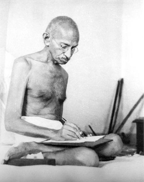 Gandhi in 1942, the year he launched the Quit India Movement - foto preluat de pe en.wikipedia.org