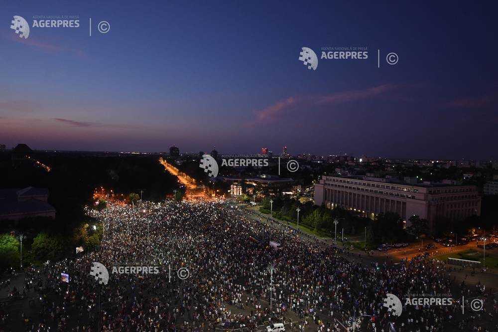 "Protestul ""Diaspora revine Acasa! 10 August 2019, TOTI in Piata Victoriei!"" (10 August 2019) - Foto: (c) GRIGORE POPESCU/AGERPRES FOTO"