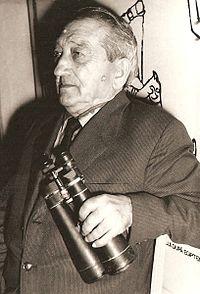Victor Daimaca (n. 22 august 1892, Turnu Severin - d. 20 mai 1969, București) a fost un pedagog și astronom român. Este singurul român descoperitor de comete - foto preluat de pe ro.wikipedia.org