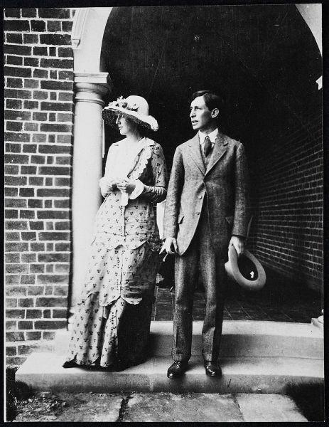 Engagement photograph, Virginia and Leonard Woolf, 23 July 1912 - foto preluat de pe en.wikipedia.org