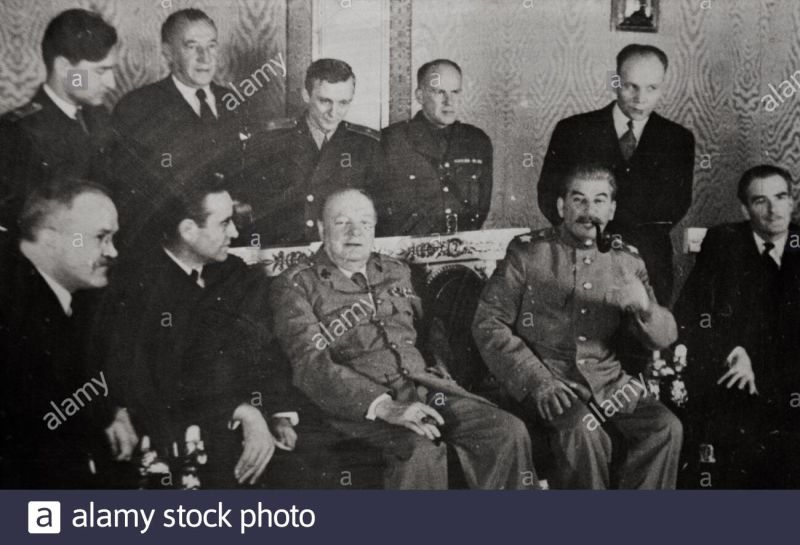Fourth Moscow Conference: the Percentages agreement summit. Winston Churchill, Joseph Stalin, Anthony Eden. Moscow, 1944 - foto preluat de pe www.alamy.com