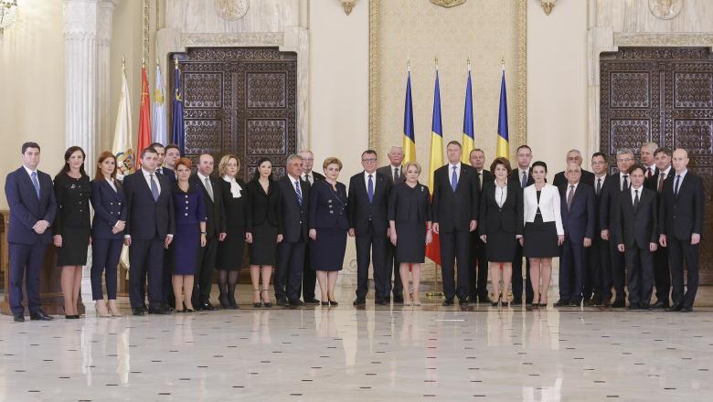 Cabinetul condus de Viorica Dăncilă, prima femeie prim-ministru în România (29.01.2018) - FOTO: Inquam Photos/ Octav Ganea - preluat de pe www.digi24.ro