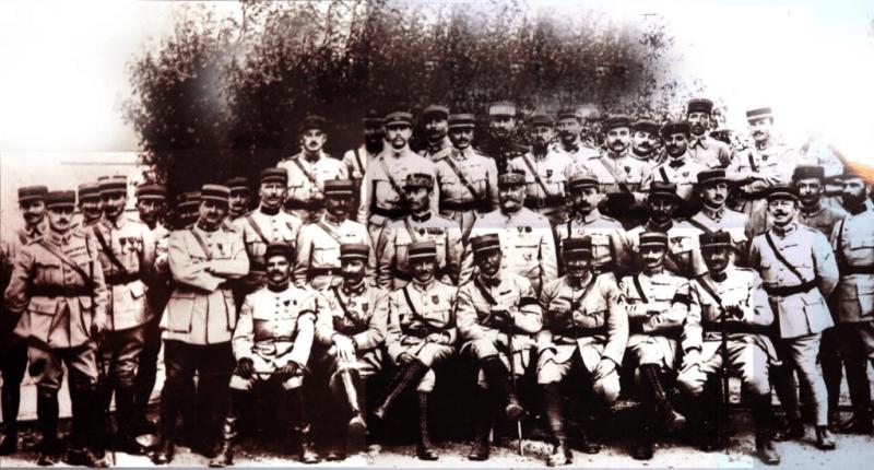 Personal din Misiunea Militară Franceză (15 octombrie 1916 - 10 martie 1918) - foto preluat de pe ro.wikipedia.org