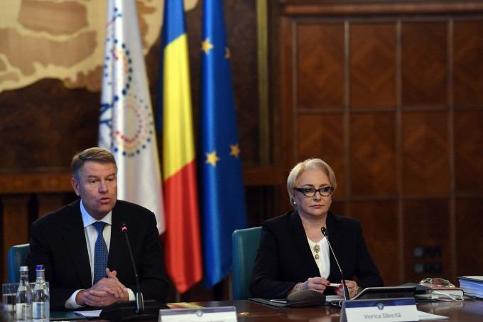 Klaus Iohannis si Viorica Dăncilă - foto preluat de pe stirileprotv.ro