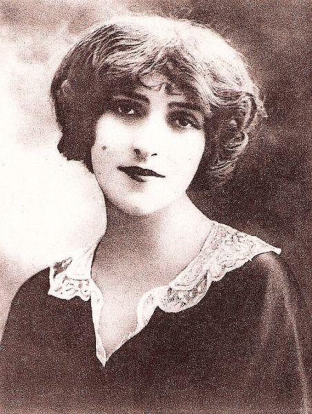 Maria Ventura (n. 13 iulie 1886 sau 1888 – d. 3 decembrie 1954, Paris) a fost o actriță română de origine evreiască. A jucat în limbile franceză și română. Cunoscută în România și sub numele de Mărioara Ventura, iar în Franța ca Marie Ventura - foto preluat de pe www.imdb.com