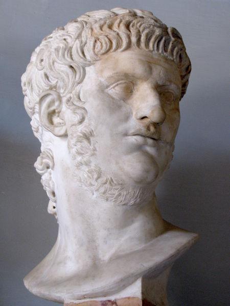 Nero Claudius Caesar Augustus Germanicus (n. 15 decembrie 37, Anzio – d. 9 sau 11 iunie 68, Roma) a fost din 54 e.n. până în 68 e.n. al cincilea împărat roman al dinastiei Iulio-Claudiene - Bustul lui Nero de la Musei Capitolini, Roma - foto preluat de pe ro.wikipedia.org