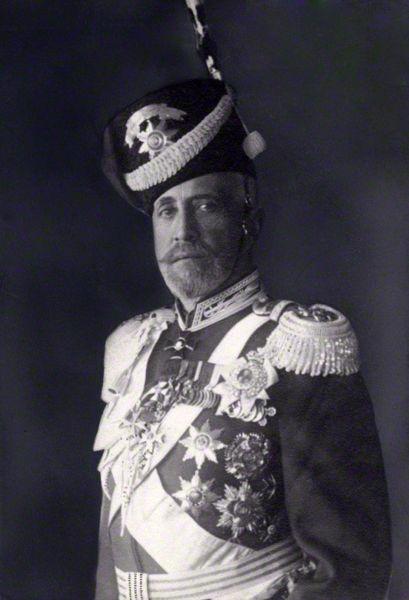 Marele duce Nicolai Nicolaevici (cel Tânăr) (6/18 noiembrie 1856 - 5 ianuarie 1929) a fost un general rus din timpul primului război mondial. Nepot al ţarului Nicolae I, el a fost comandantul suprem al armatelor ruse de pe frontul de răsărit în primul an de război, iar mai târziu a condus campaniile încununate de succes din Caucaz. A fost ultimul membru influent al familiei Romanov - foto preluat de pe ro.wikipedia.org