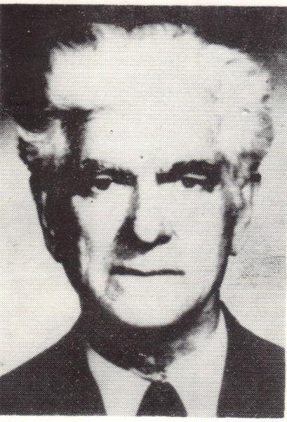 Petru Caraman (n. 14 decembrie 1898, Vârlezi, Galaţi - d. 10 ianuarie 1980, Iaşi) a fost un savant român, folclorist şi filolog, exclus de la catedră de regimul comunist. În anul 1991 a devenit membru post mortem al Academiei Române - foto preluat de pe ro.wikipedia.org