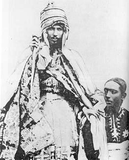 Yohannes al IV-lea (n. 11 iulie 1831 – d. 10 martie 1889), născut Lidj Kassay Mercha, a fost împărat al Etiopiei din 1872 şi până la moartea sa. El era cunoscut şi sub numele de cavalerul Abba Bezbez - Împăratul Yohannes al IV-lea cu fiul şi moştenitorul său, Ras Araya Selassie Yohannes, foto preluat de pe ro.wikipedia.org