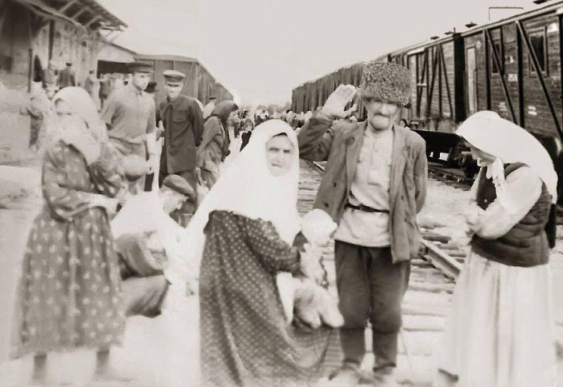 Vainakhs returning to the Caucasus in 1957 - foto preluat de pe en.wikipedia.org