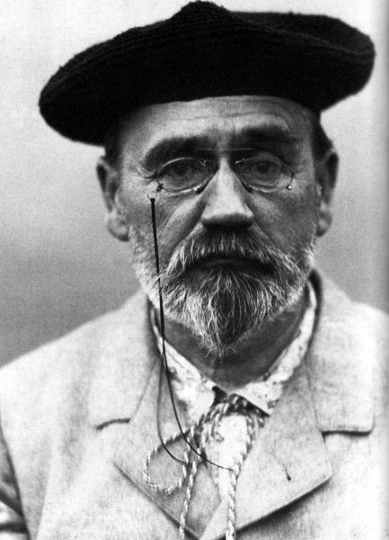 Émile Zola (n. 2 aprilie 1840, rue Saint-Joseph, Franța – d. 29 septembrie 1902, Paris, A Treia Republică Franceză) a fost un romancier francez, cel mai cunoscut reprezentant al școlii naturaliste  și un personaj public cu impact semnificativ în ceea ce privește procesul de liberalizare politică al Franței - (Zola in 1902) foto preluat de pe en.wikipedia.org