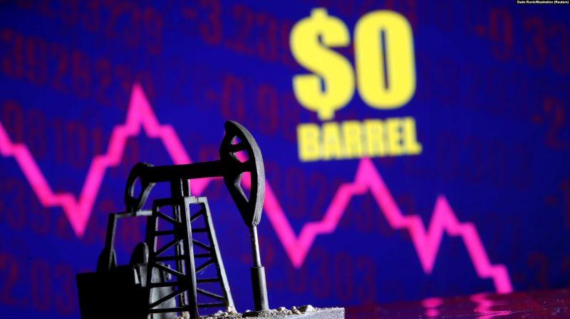 Prețul petrolului a înregistrat valori negative (20 aprilie 2020) - foto preluat de pe romania.europalibera.org