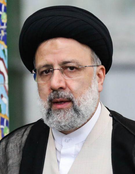 Ebrahim Raisi (n. 14 decembrie 1960, Maşhad, Iran) este un politician iranian, jurist de formaţie, care a fost ales preşedinte al Iranului în alegerile prezidenţiale care au avut loc la 18 iunie 2021. A preluat mandatul de preşedinte începând cu data de 3 august 2021 - Raisi in 2021, foto preluat de pe ro.wikipedia.org