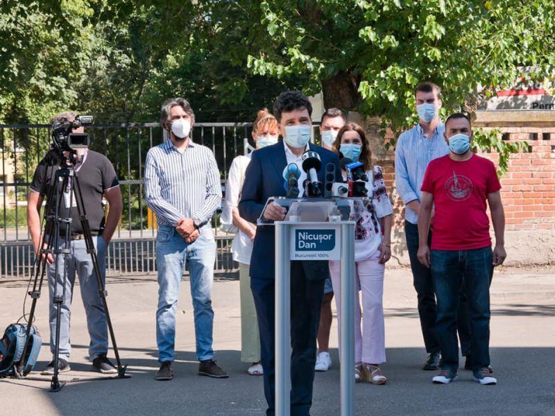 Nicușor Dan - Conferință de presă: Apel la responsabilitate în contextul crizei sanitare din Capitală (12 iulie 2020) - foto preluat de pe www.facebook.com/NicusorDan.ro