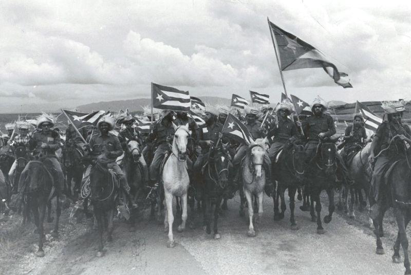 Revoluția Cubaneză (26 iulie 1953 - 1 ianuarie 1959) Fotografie cu rebelii victorioşi realizată de Raúl Corrales, denumită La Caballería (Cavaleria) - foto preluat de pe ro.wikipedia.org