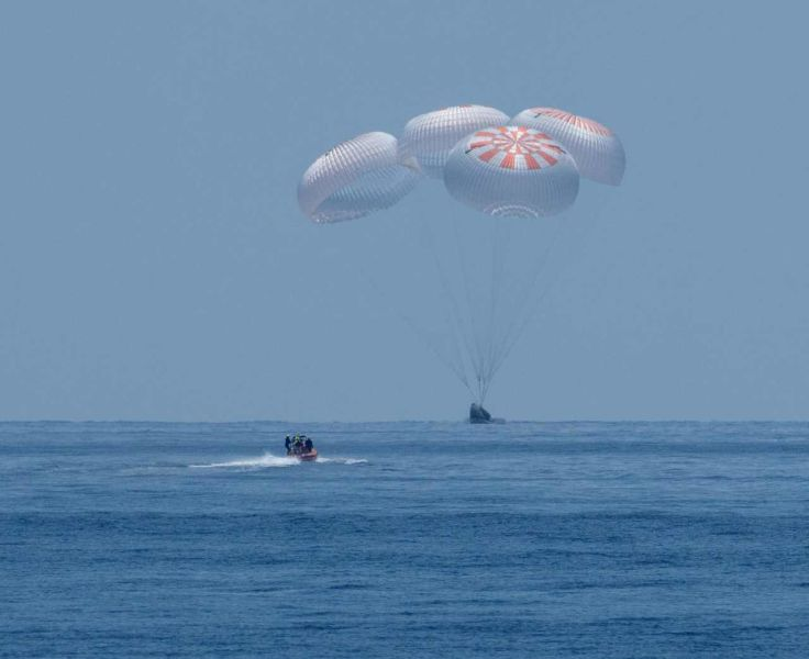 Capsula locuită SpaceX a revenit pe Pământ (2 august 2020) - Foto: (c) NASA/Bill Ingalls/Handout via REUTERS