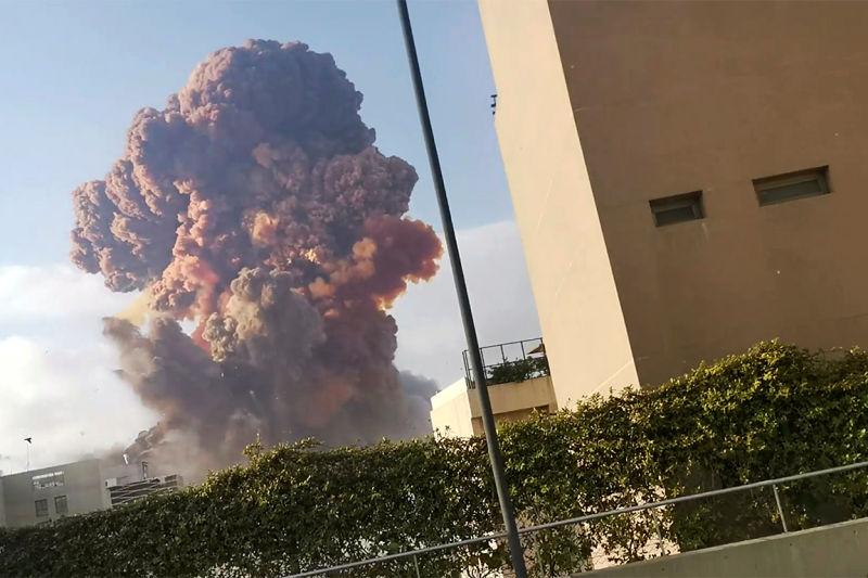 Explozii la Beirut: Cel puţin 50 de morţi şi 2.750 de răniţi (4 august 2020) - Foto: (c) Karim Sokhn/Instagram/Ksokhn + Thebikekitchenbeirut/via REUTERS - preluat de pe www.agerpres.ro