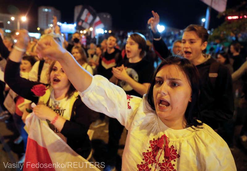 Belarus: Zeci de mii de persoane au continuat joi seara acţiunile de protest (13 august 2020) - foto preluat de pe www.agerpres.ro
