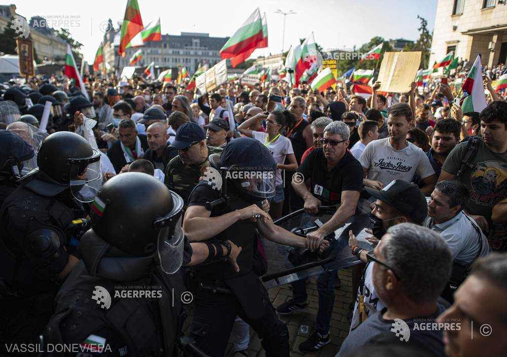 Mii de bulgari protestează violent împotriva guvernului Borisov (2 septembrie 2020) - foto preluat de pe agerpres.ro