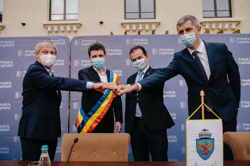 Ceremonia de învestire a Primarului General al Capitalei (29 octombrie 2020) - foto preluat de pe www.facebook.com/NicusorDan.ro/