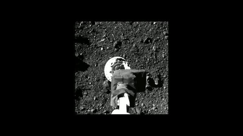 20 octombrie 2020 - Sonda spațială OSIRIS-REx a recoltat o mostră de regolit de pe suprafața asteroidului 101955 Bennu cu care va reveni pe Pământ - foto captură video
