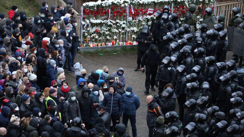 Peste o mie de persoane arestate la cel mai recent protest anti-Lukașenko (15 noiembrie 2020) - foto preluat de pe romania.europalibera.org