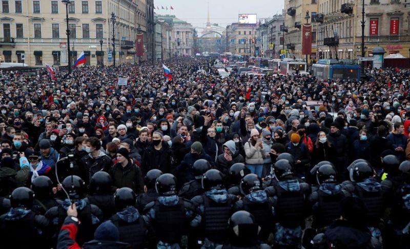 Protestele din Rusia - Sankt Petersburg, 23 ianuarie 2021 - foto Anton Vaganov / Reuters, preluat de pe www.facebook.com/casa.jurnalistului