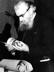 Constantin S. Nicolaescu-Plopșor (n. 20 aprilie 1900, Plopșor, Dolj – d. 30 mai 1968, București) a fost un arheolog, istoric, etnograf, folclorist, antropolog, geograf, membru corespondent al Academiei Române - foto preluat de pe www.bunicutavirtuala.com